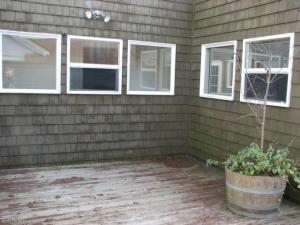 651 courtyd deck