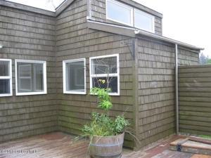 651 exterior deck area